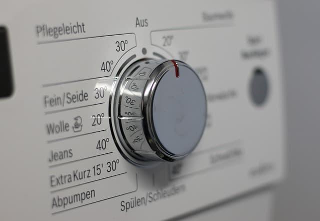 Ménage : réduire sa consommation électrique